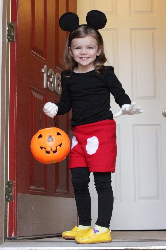 DIY Mickey Mouse Costume  sc 1 st  Kellbot! & DIY Mickey Mouse Costume | Kellbot!